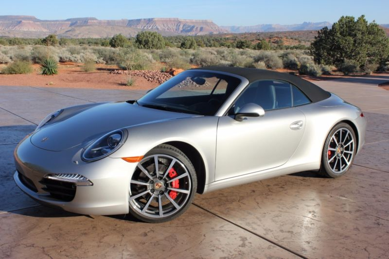 2013 Porsche 911 Carrera S Convertible 2-Door