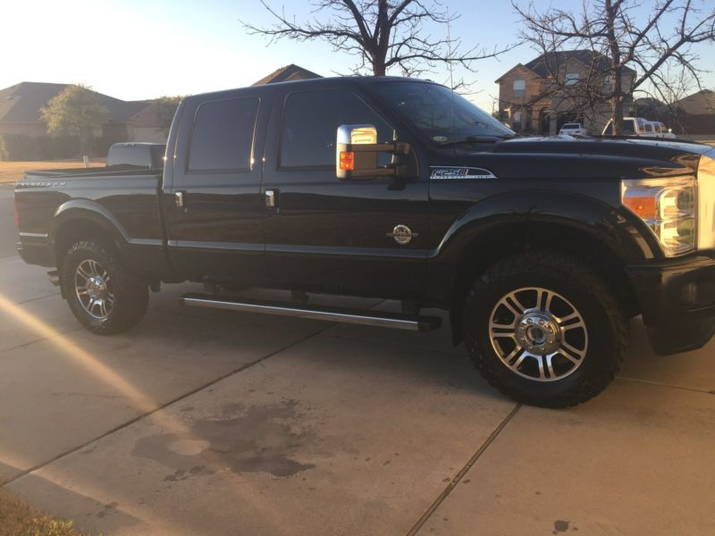 2014 Ford F-250 Platinum Crew Cab Pickup 4-Door