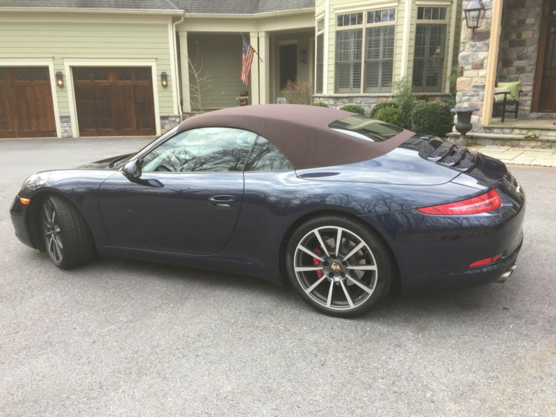 2012 Porsche 911 Carrera S Convertible 2-Door