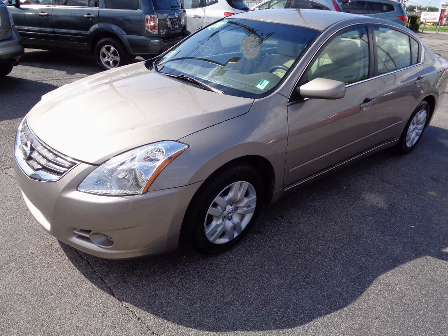 $199 Down! 2010 Nissan Altima. No Credit? Bad Credit? WE FINANCE!! *Approval based on income!!