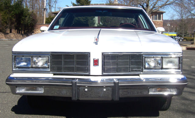 1983 OLDSMOBILE DELTA 88 COUPE