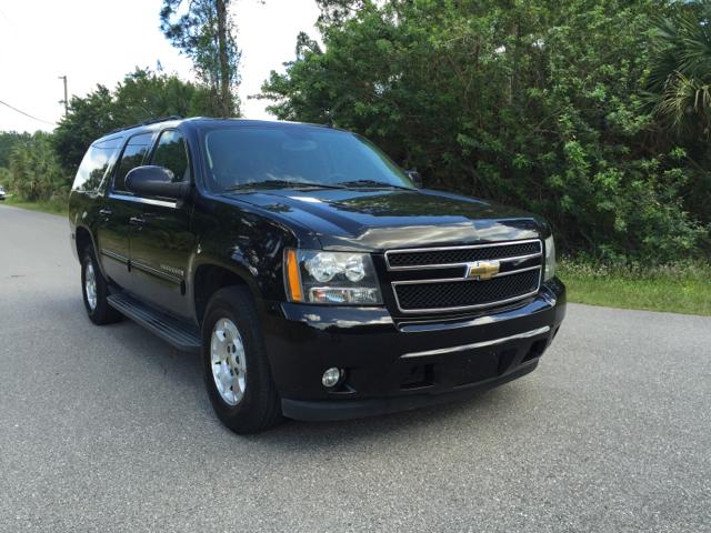[]      2010 Chevrolet Suburban 1500 LT[]
