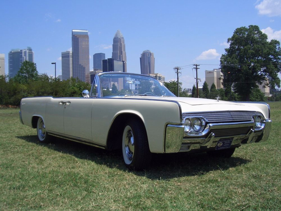 1961 Lincoln Continental 4 door convertible