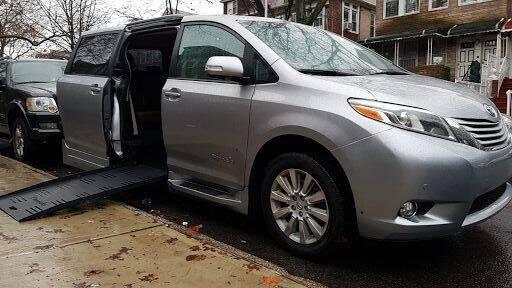 2016 Toyota Sienna Limited Braunability Wheelchair Mobility Van 27k Miles $31,900