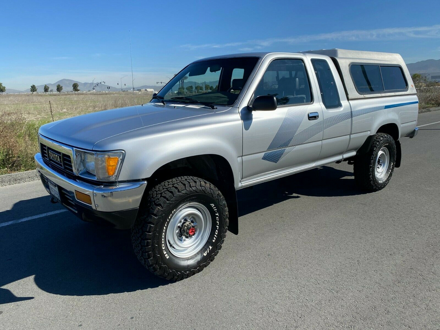 1989 TOYOTA PICKUP 4WD EXTRA CAB