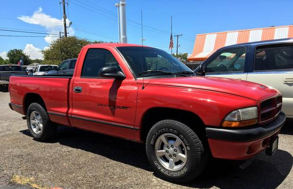 2001 DODGE DAKOTA! __ $995 DOWN!! __ @ TRIPLE R MOTORS!!