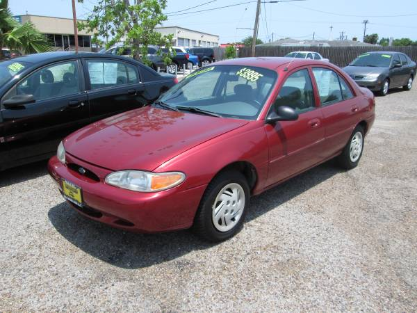 ONLY 89,769 MILES -- 1999 Ford Escort SE 4dr