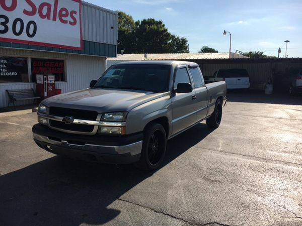 2003 *Chevrolet* *Silverado* *1500* LS 4dr Extended Cab Rwd SB