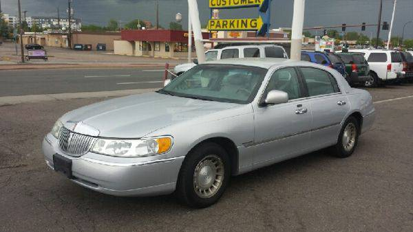 2002 *Lincoln* *Town* *Car* Executive 4dr Sedan **Guaranteed Credit...