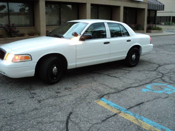 2004 ford crown victoria with 90K Miles 100% RUST FREE