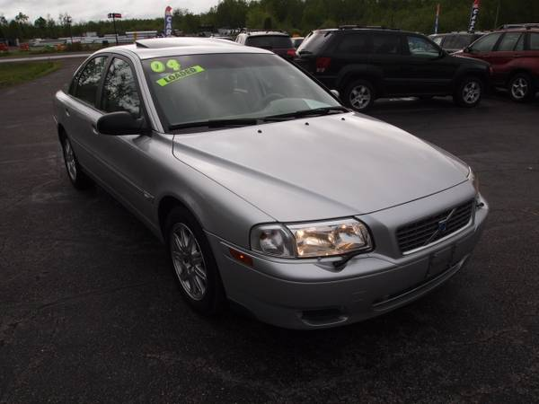 2004 VOLVO S80 2.5T RELIABLE & SAFE! HEATED LEATHER! MOONROOF!