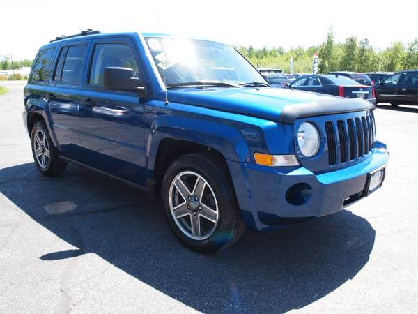 2009 JEEP PATRIOT SPORT 4X4 5-SPEED ONE-OWNER! GAS-SAVING SUV!