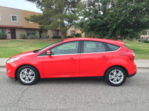 2012 FORD FOCUS SEL HATCHBACK/ CLEAN TITLE/ CLEAN CARFAX /$0 DOWN