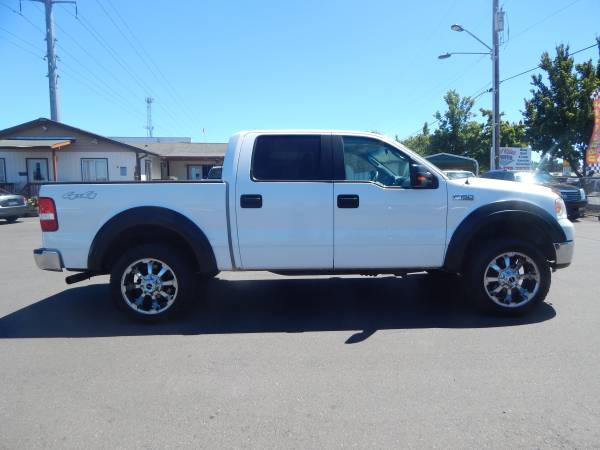 2008 FORD F-150 XLT CREW CAB 4X4. *NEW TIRES*