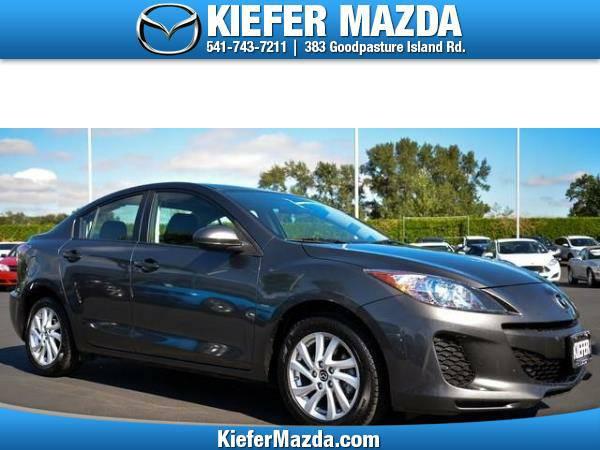 2013 *Mazda* *MAZDA3* *4dr Sdn Auto i Touring* 4dr Car