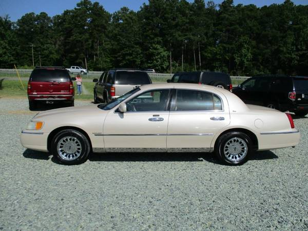 2000 Lincoln Town Car Cartier, 4.6L V8,Leather,Clean Carfax,104K,NICE!