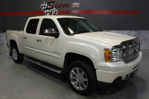 2013 GMC Sierra 1500 DENALI*LET US HELP YOU OWN THIS TRUCK TODAY!*