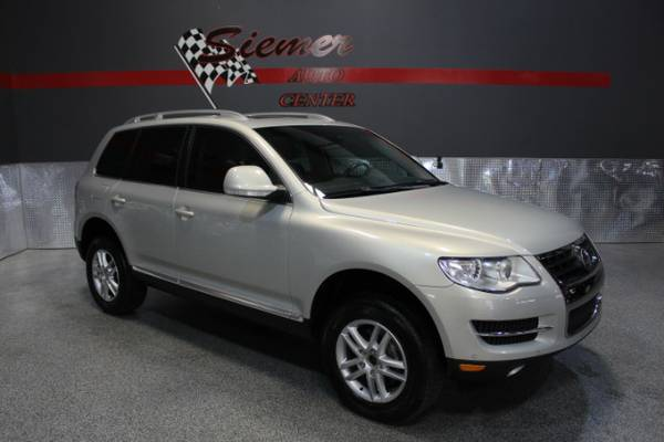 2008 Volkswagen Touareg*YOUR SEARCH IS OVER, THIS SUV HAS IT ALL!*