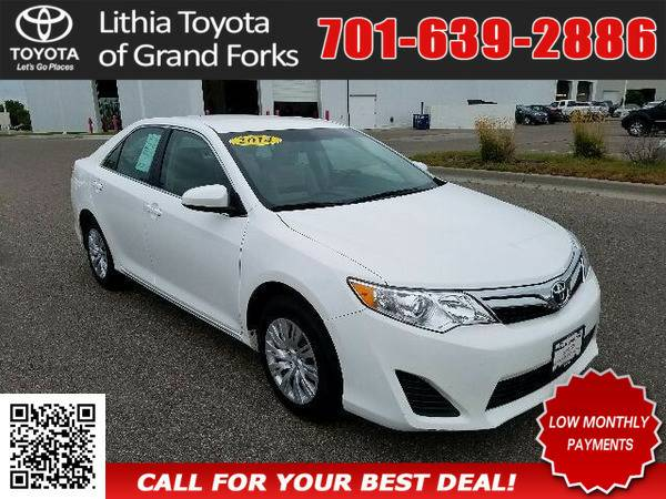 2014 TOYOTA CAMRY LE WHITE