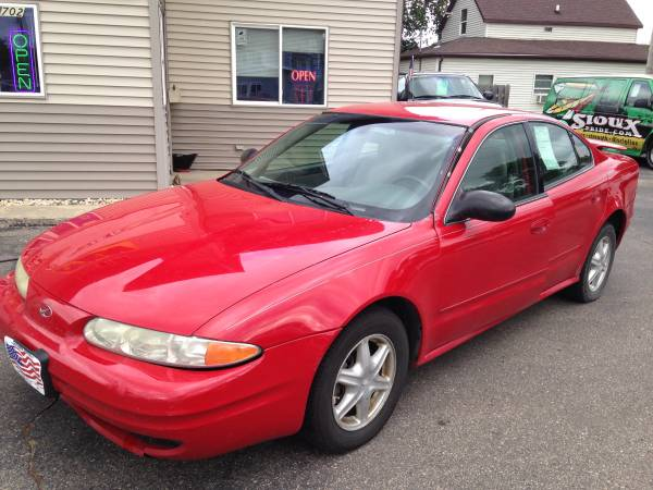 2004 Oldsmobile Alero with GL Package