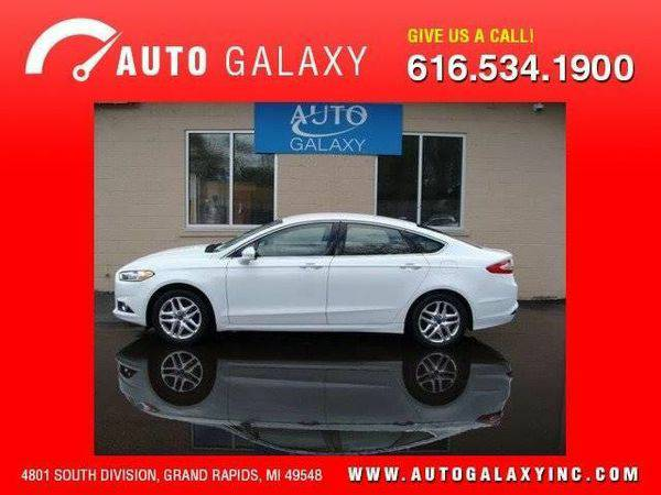 2013 *Ford* *Fusion* SE 4dr Sedan -CALL/TEXT📱-Se Habla...