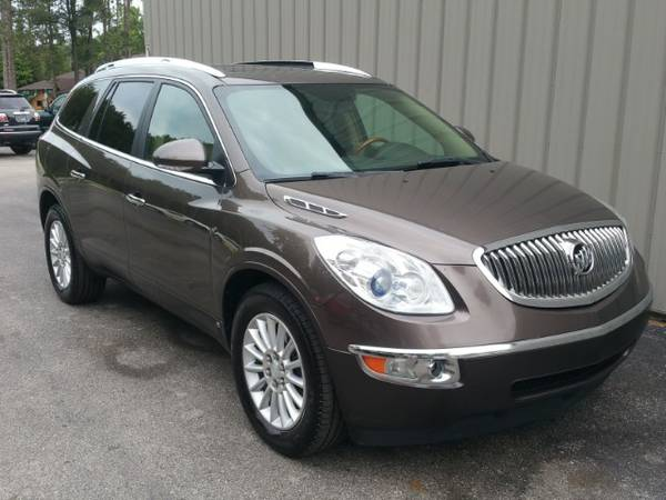 2008 BUICK ENCLAVE ! ONE OWNER ! CLEAN CARFAX ! AWD ! LEATHER ! NICE !