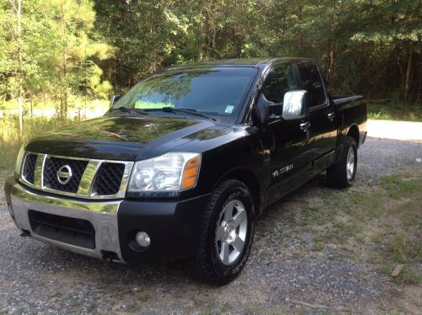 2005 Nissan Titan SE (Financing Available)