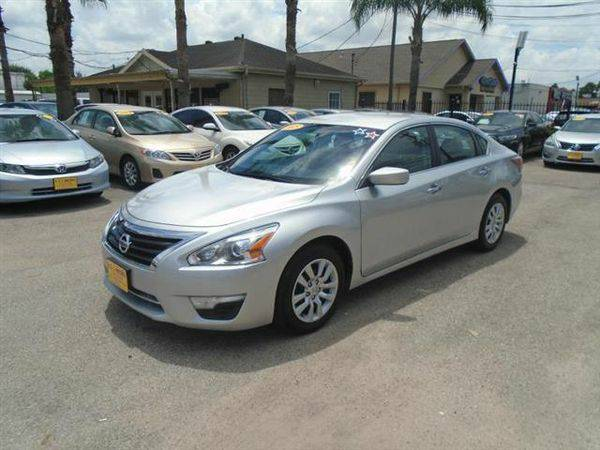 2015 *Nissan* *Altima* 2.5 **Buy Here Pay Here - NO CREDIT CHECK**