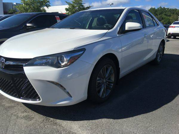 New 2017 *Toyota* *Camry* SE 4dr Sedan (2.5L 4cyl 6A) BRAND NEW! FREE
