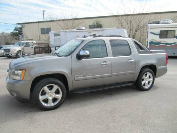 2008 Chevrolet Avalanche LTZ Clean CarFax 1 Owner None Nicer