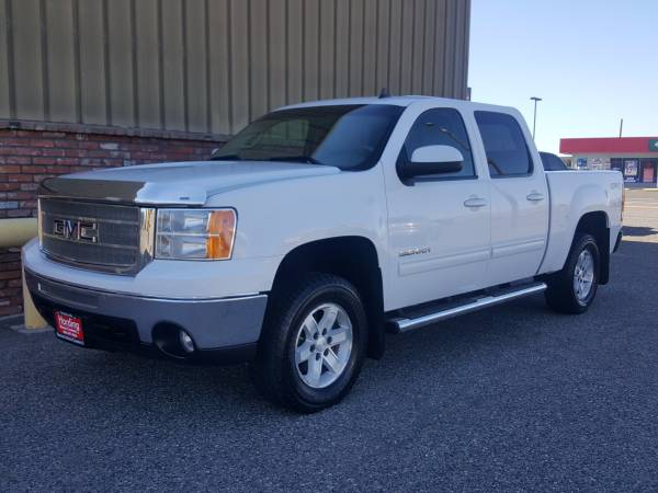 RARE!!! 2010 GMC SIERRA SLT 4X4, COMES WITH THE 400HP 6.2 VORTEC