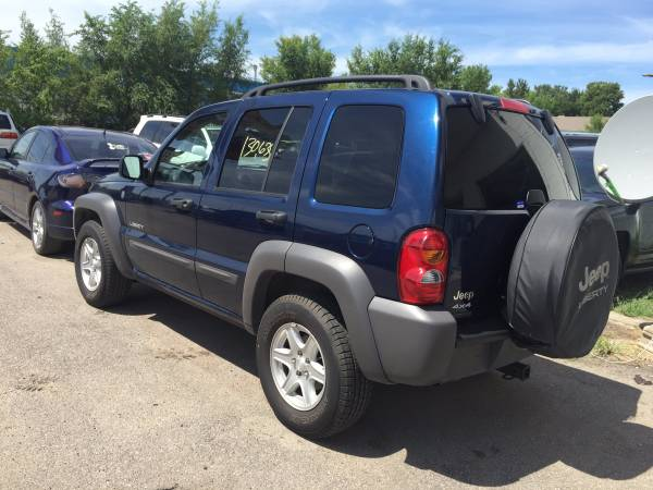 ONE OWNER 2004 JEEP LIBERTY SPORT 4WD SALE !!!!!