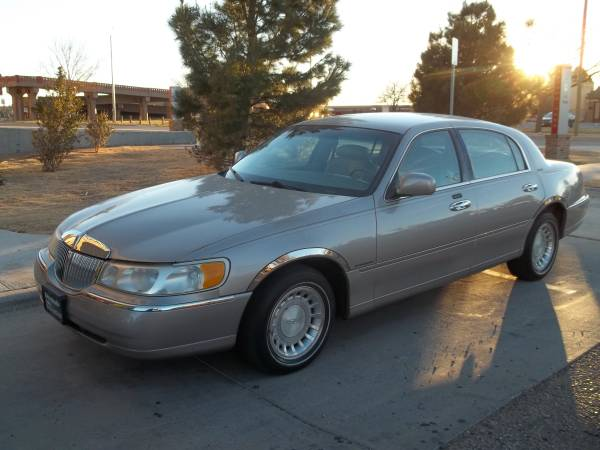 >>> 2000 LINCOLN TOWN CAR *** NO CREDIT NEEDED EASY APPROVAL