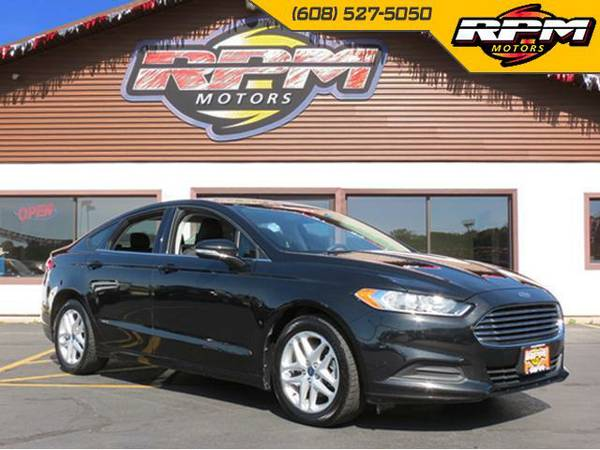 2013 Ford Fusion SE - 1 Owner - 34 MPG!