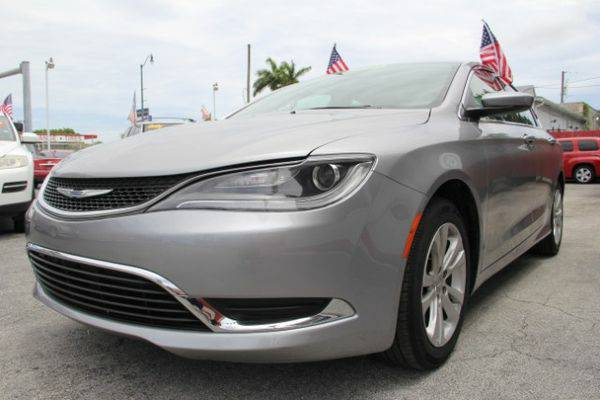 2015 *Chrysler* *200* Limited - NO LICENSE! NO SOCIAL! APPROVED!...