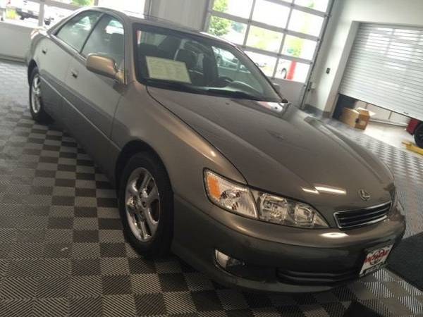 2000 Lexus ES 300 *Low Mileage*