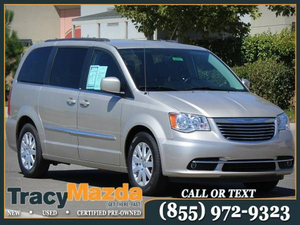 2014 Chrysler Town and Country 4D Passenger Van Touring