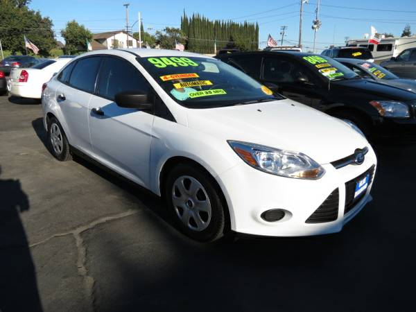 ** 2013 Ford Focus S 4dr Sedan Gas Saver BEST DEALS GUARANTEED **