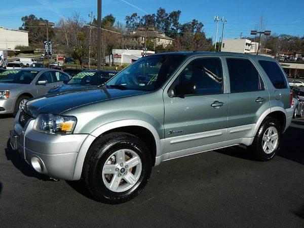 2005 *Ford* *Escape* HEV AWD Hybrid 4dr SUV