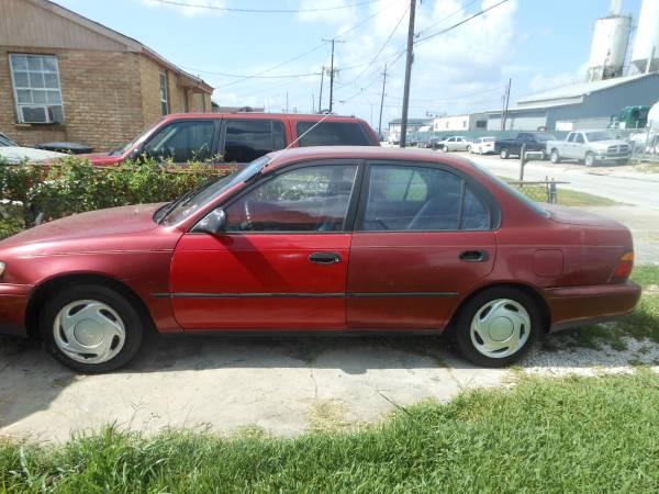 1995 Toyota Carolla----runs great $900