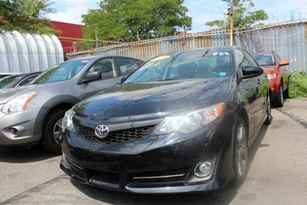 2012 *Toyota* *Camry* XLE V6 *Buy-Here-Pay-Here & Financing*