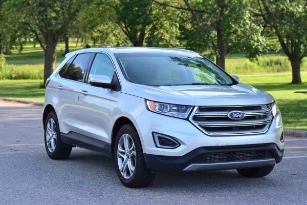 2015 Ford Edge AWD Titanium 4dr SUV ***Only 24k miles***