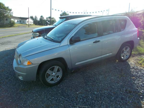 2007 JEEP COMPASS SPORT 4X4 ONLY 90,000 MILES RUNS GREAT TRADES WELCOM