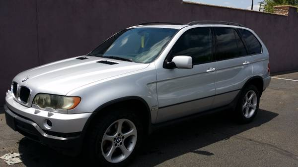 2001 BMW X5 ALL WHEEL DRIVE IMMACULATE CONDITION.