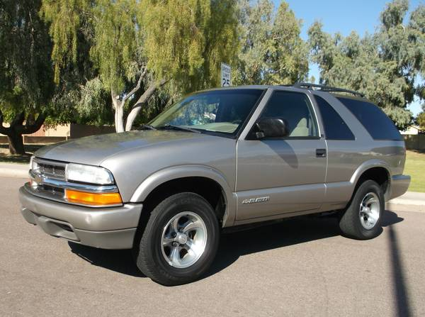 2002 Chevy Blazer LS 2 dr Clean