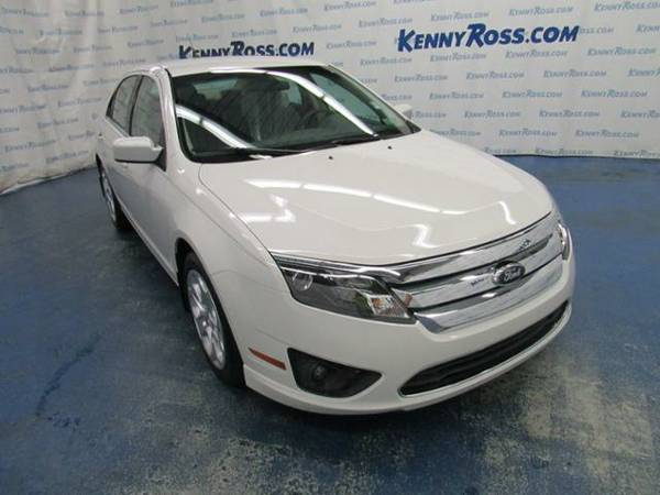 2010 *Ford Fusion* 4dr Sdn SE FWD - White Suede