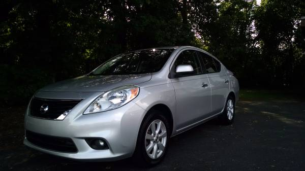 2012 Nissan Versa SL 4-Door Sedan