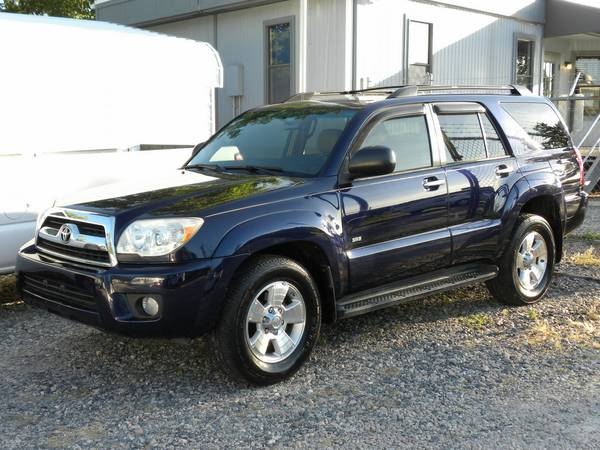 2009 Toyota 4Runner SR5 ** 4.0L V6, Serviced, Awesome Blue! Financing!