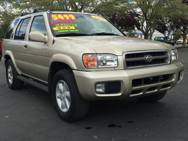 2001 Nissan Pathfinder LE - Fully LOADED 4x4 GREAT GAS MILEAGE & FUN!!