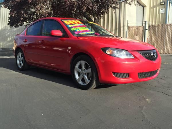 2005 Mazda 3i- BEAUTIFUL 4 DOOR & GREAT FUEL MILEAGE!!!